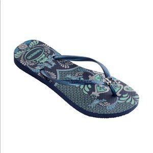 Like New Havaianas Blue Flip Flops Size 6